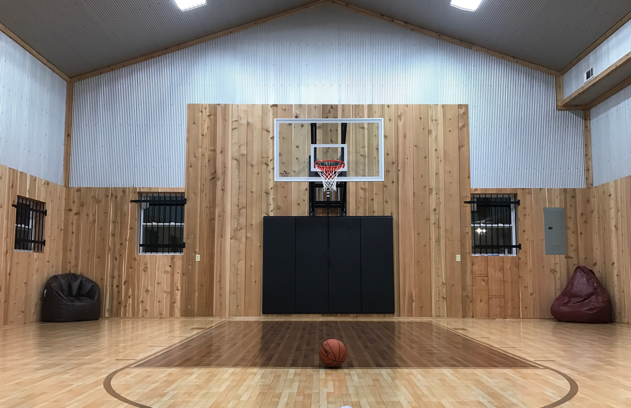 Cabin And Private Basketball Gym Hocking Hills Cabins For Rent In Logan Ohio United States