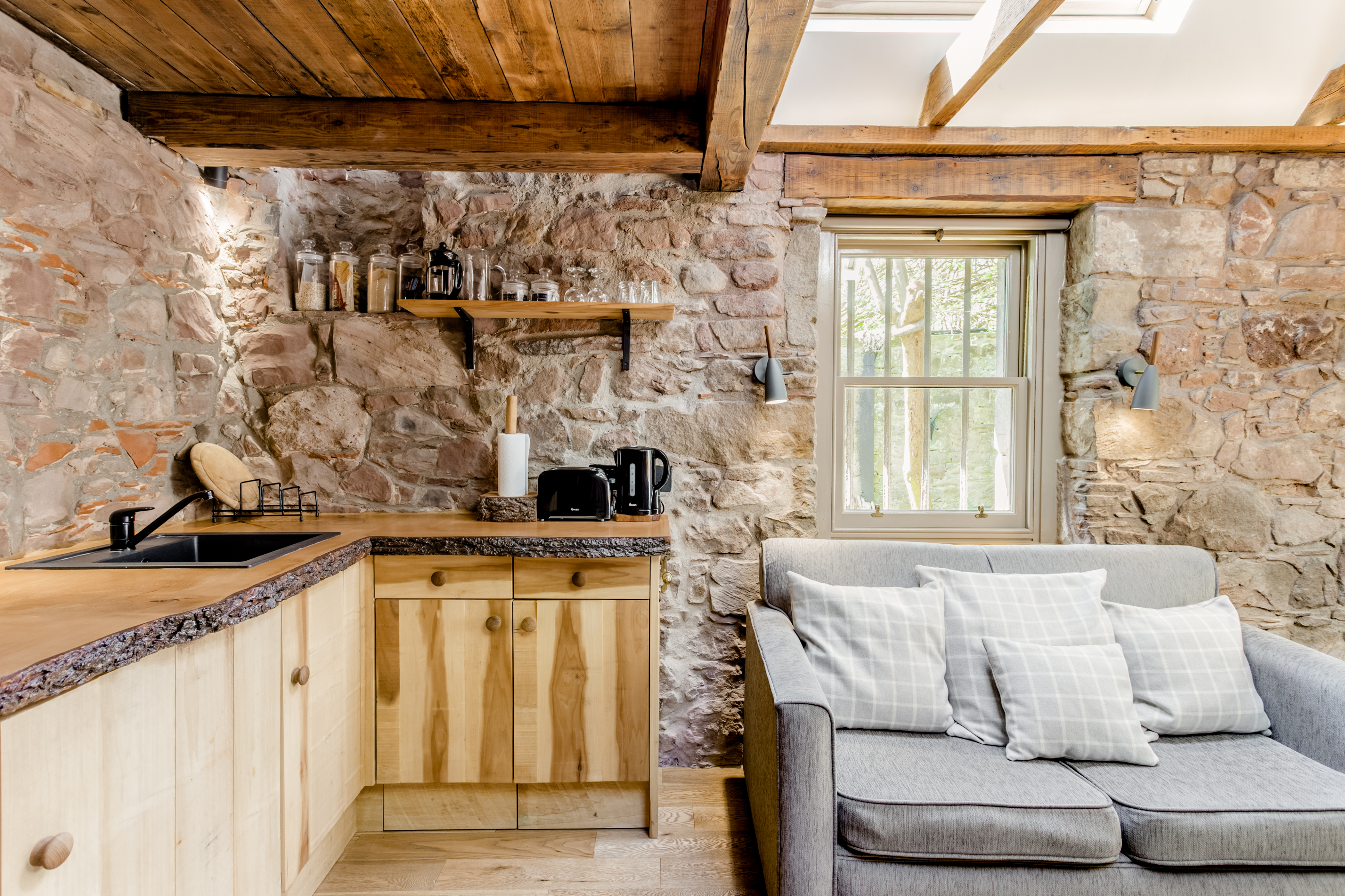 16th Century Dovecot Cottage In Private Garden Cottages For Rent In Edinburgh Scotland United Kingdom