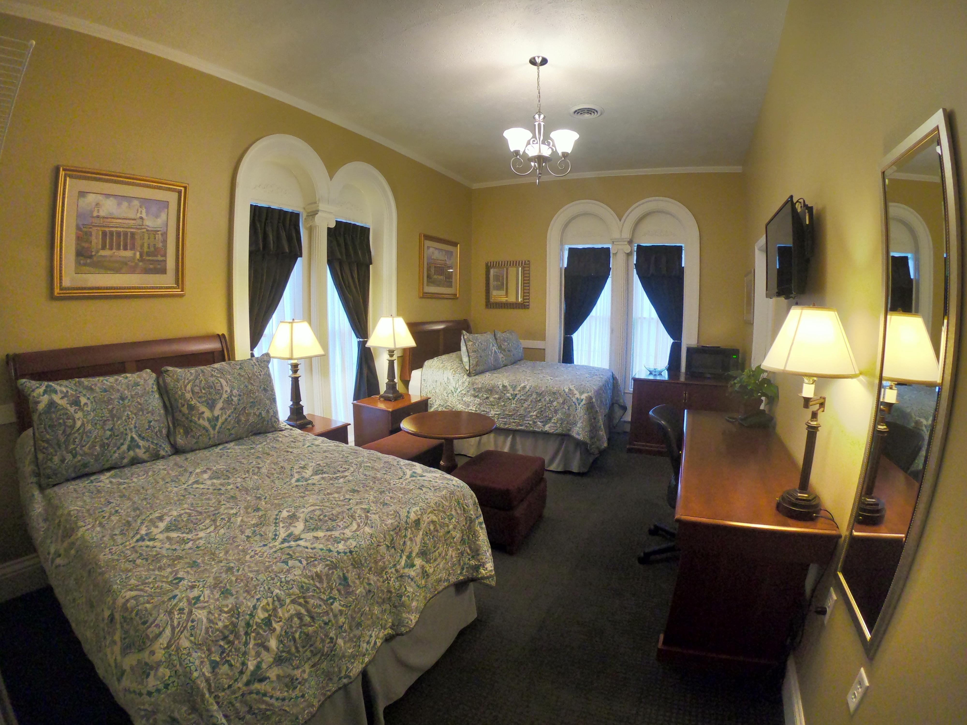 Picture of: Double Room 215 2 Full Size Beds Beacon Hotel Hotels For Rent In Oswego New York United States