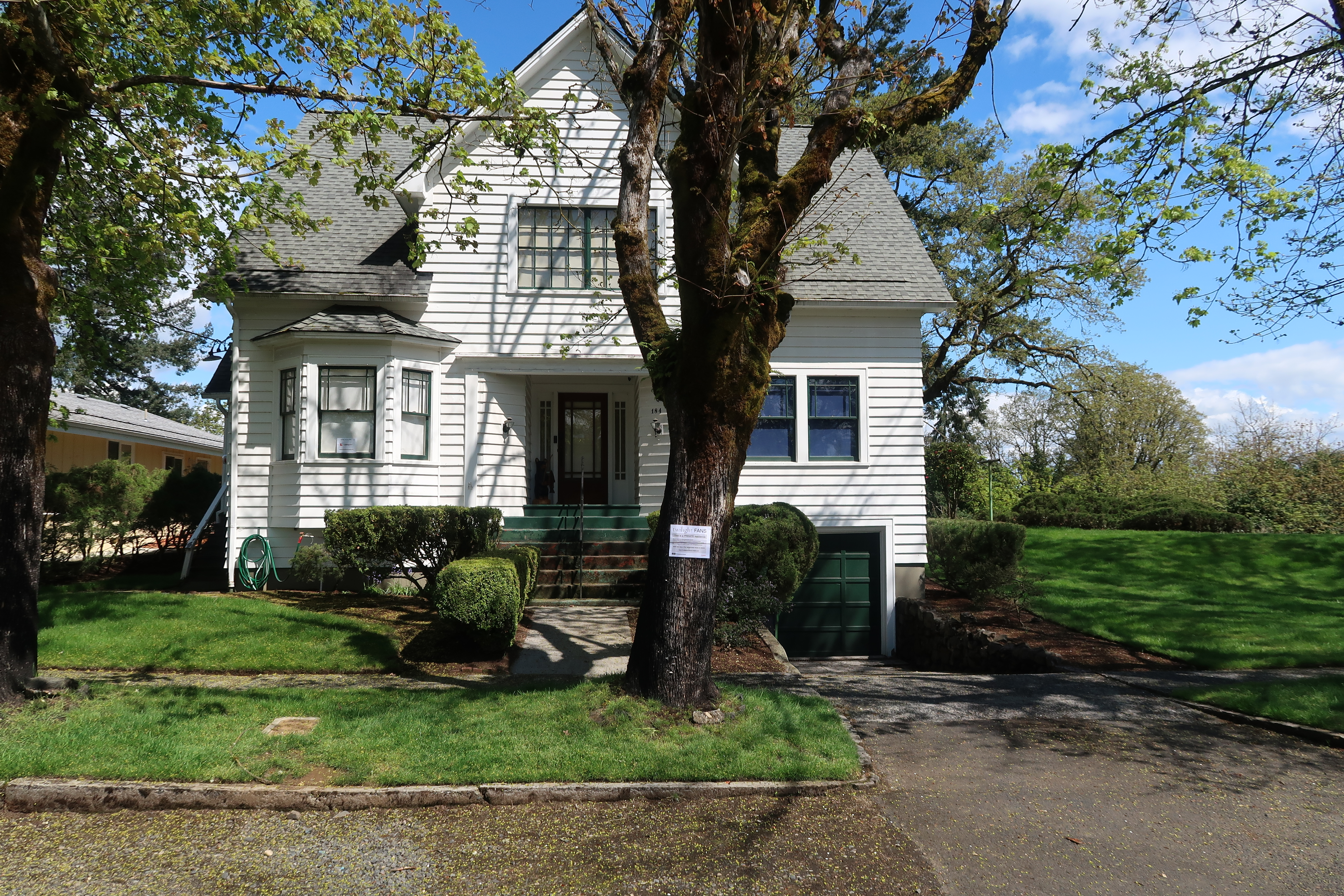 Twilight Swan House Houses For Rent In St Helens Oregon United States