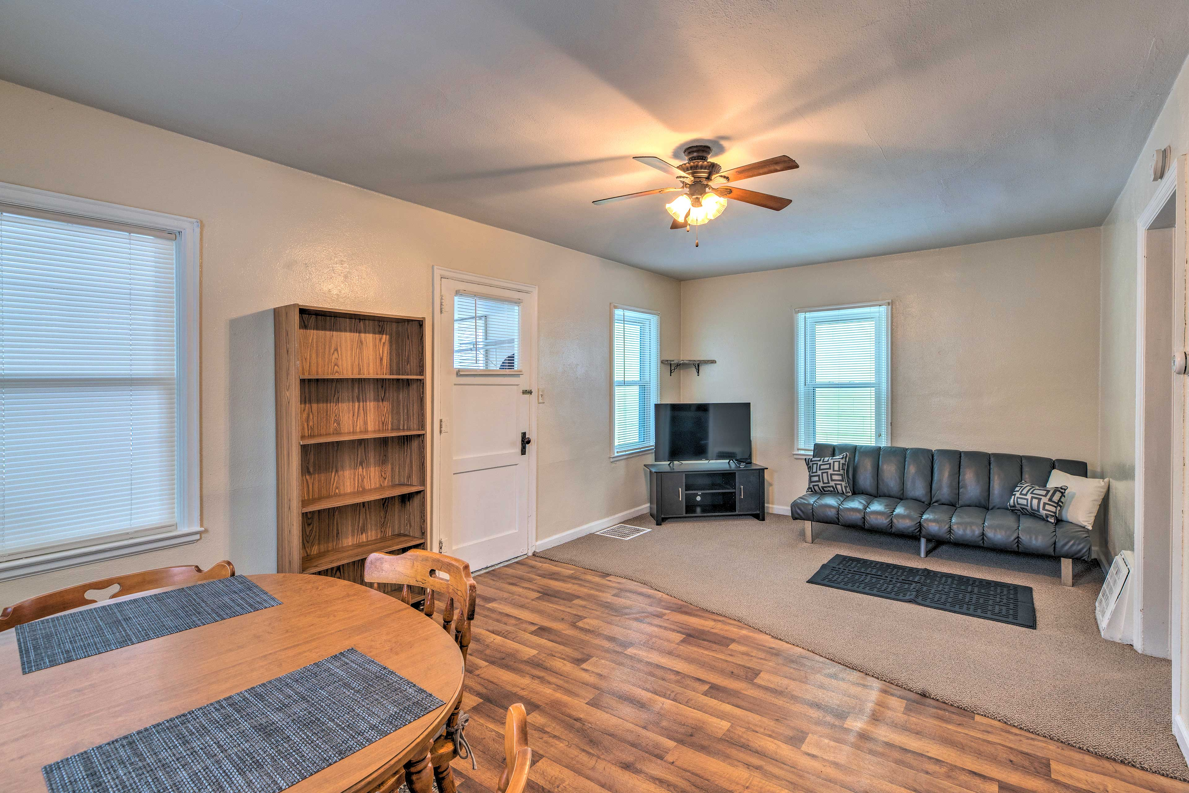 Cozy Pet Friendly Sioux Falls Home W Yard Houses For Rent In Sioux Falls South Dakota United States