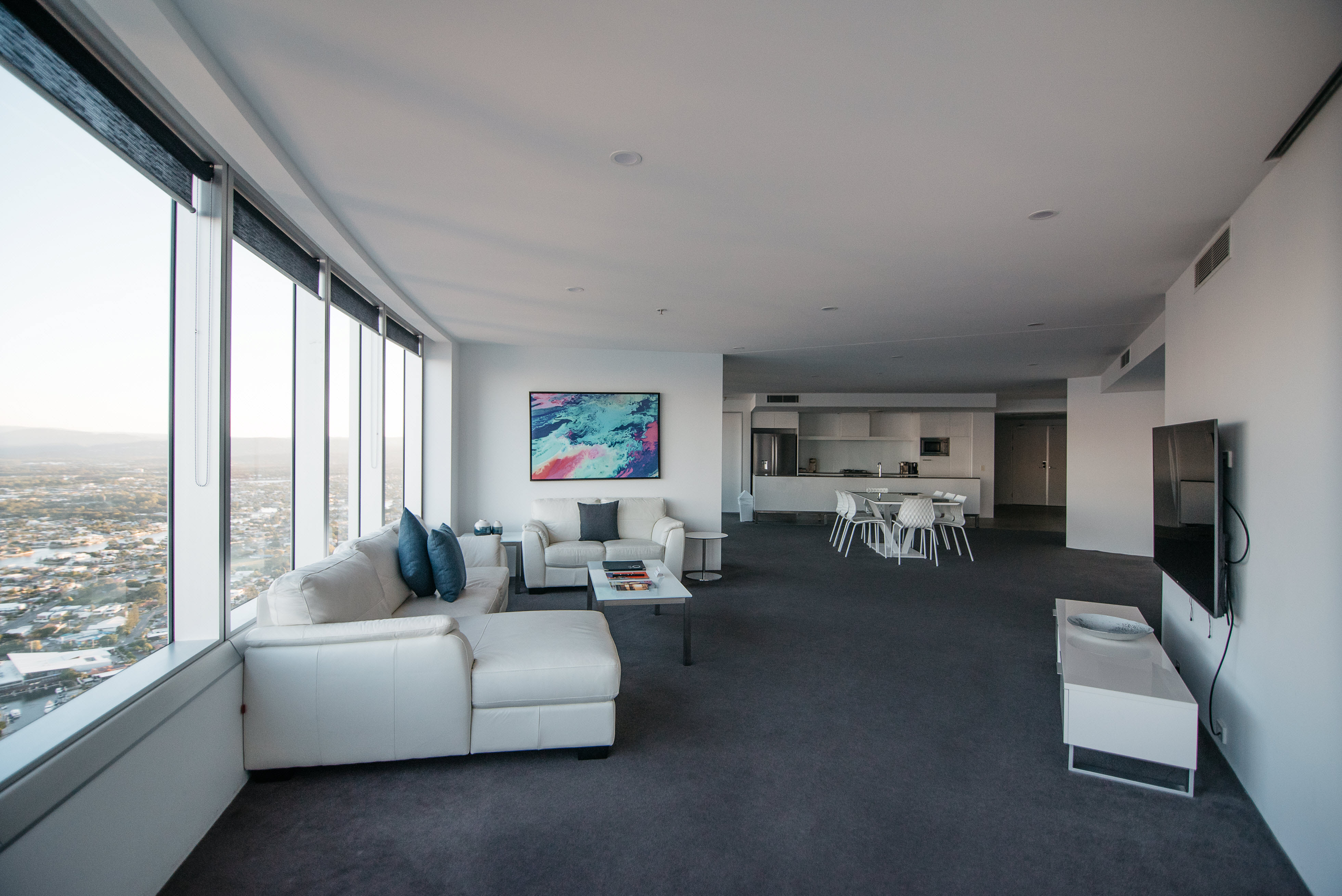 Q12 Resort - Three Bedroom Sub Penthouse Apartment - Serviced