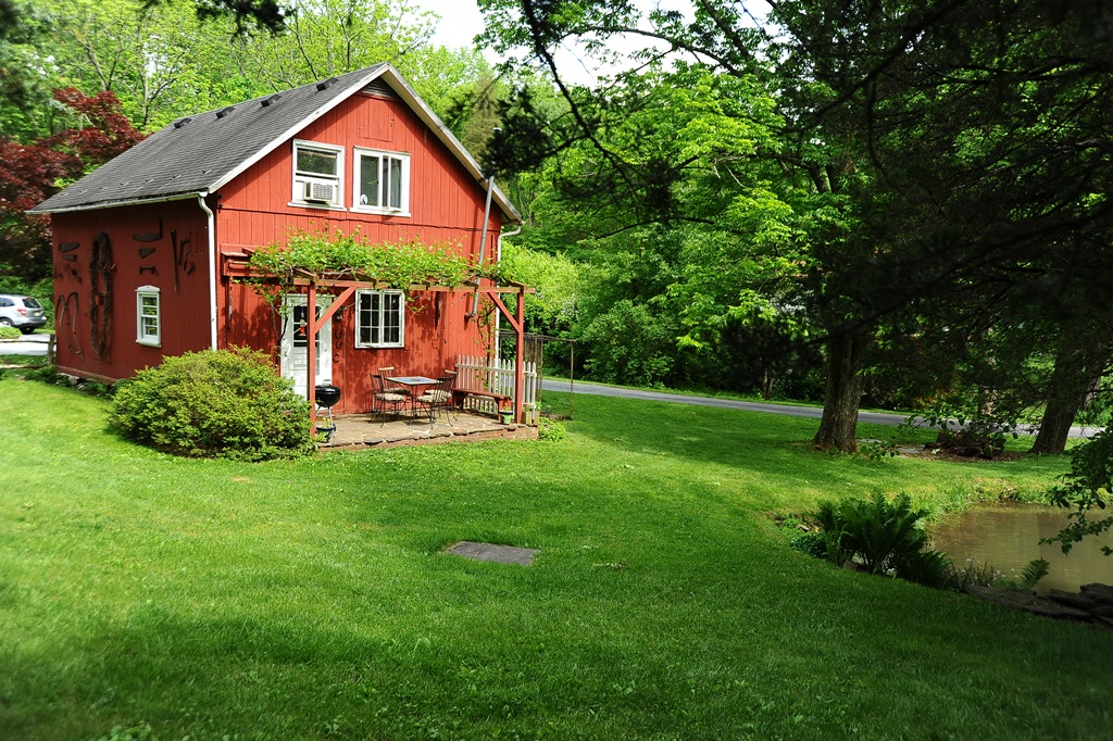 The Carriage House At Walnut Pond Cottages For Rent In Frenchtown New Jersey United States