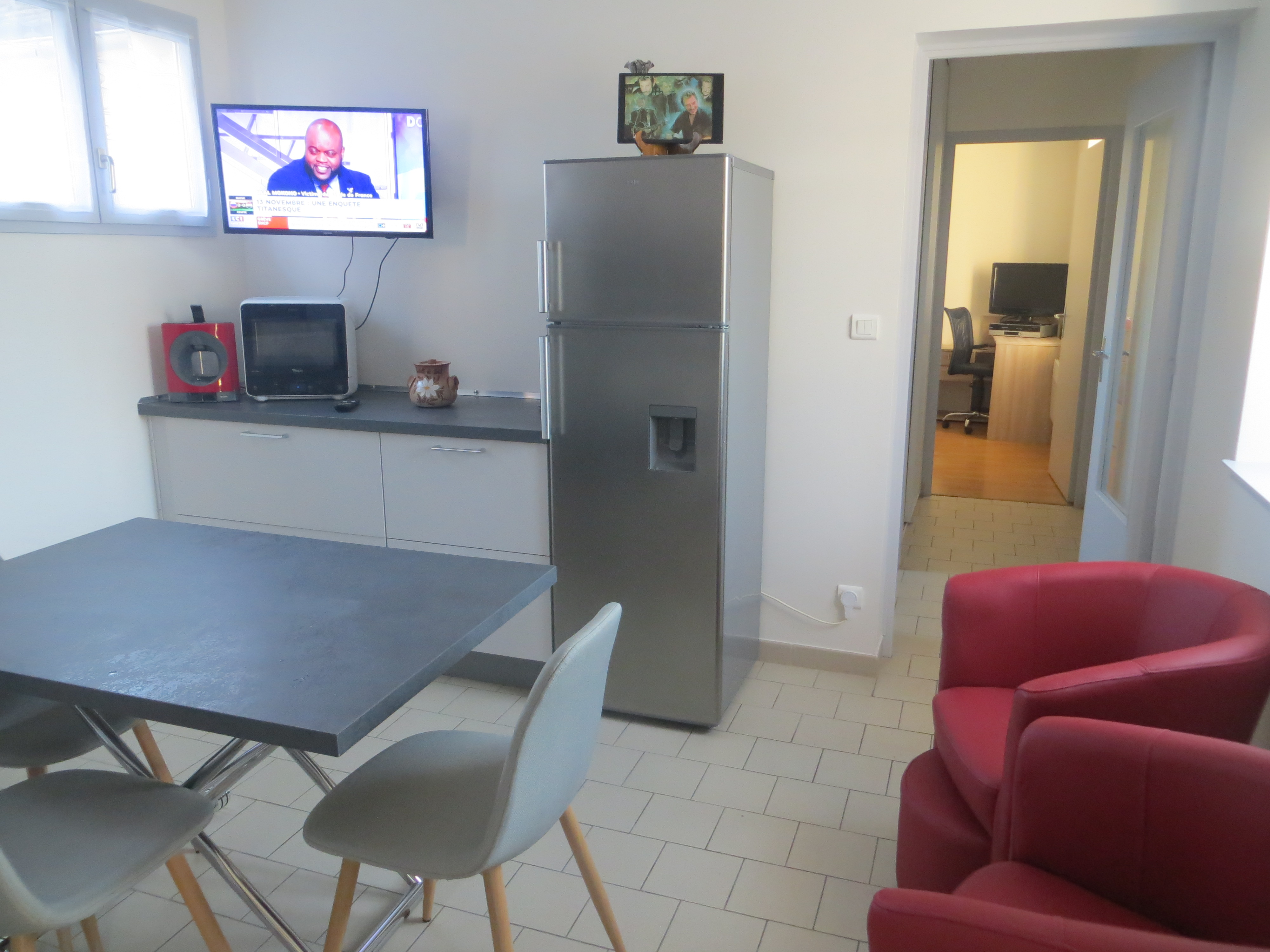 """Meuble Four Plaque Induction beaune la rolande au """"puits berger"""" - apartments for rent in"""