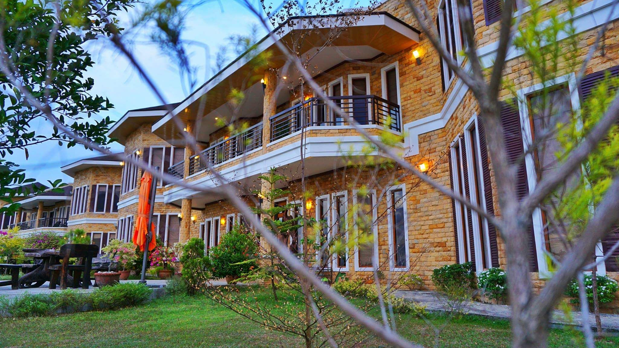 Beach Room Studio @ Castle View - Guest suites for Rent in Island Garden  City of Samal, Davao Region, Philippines