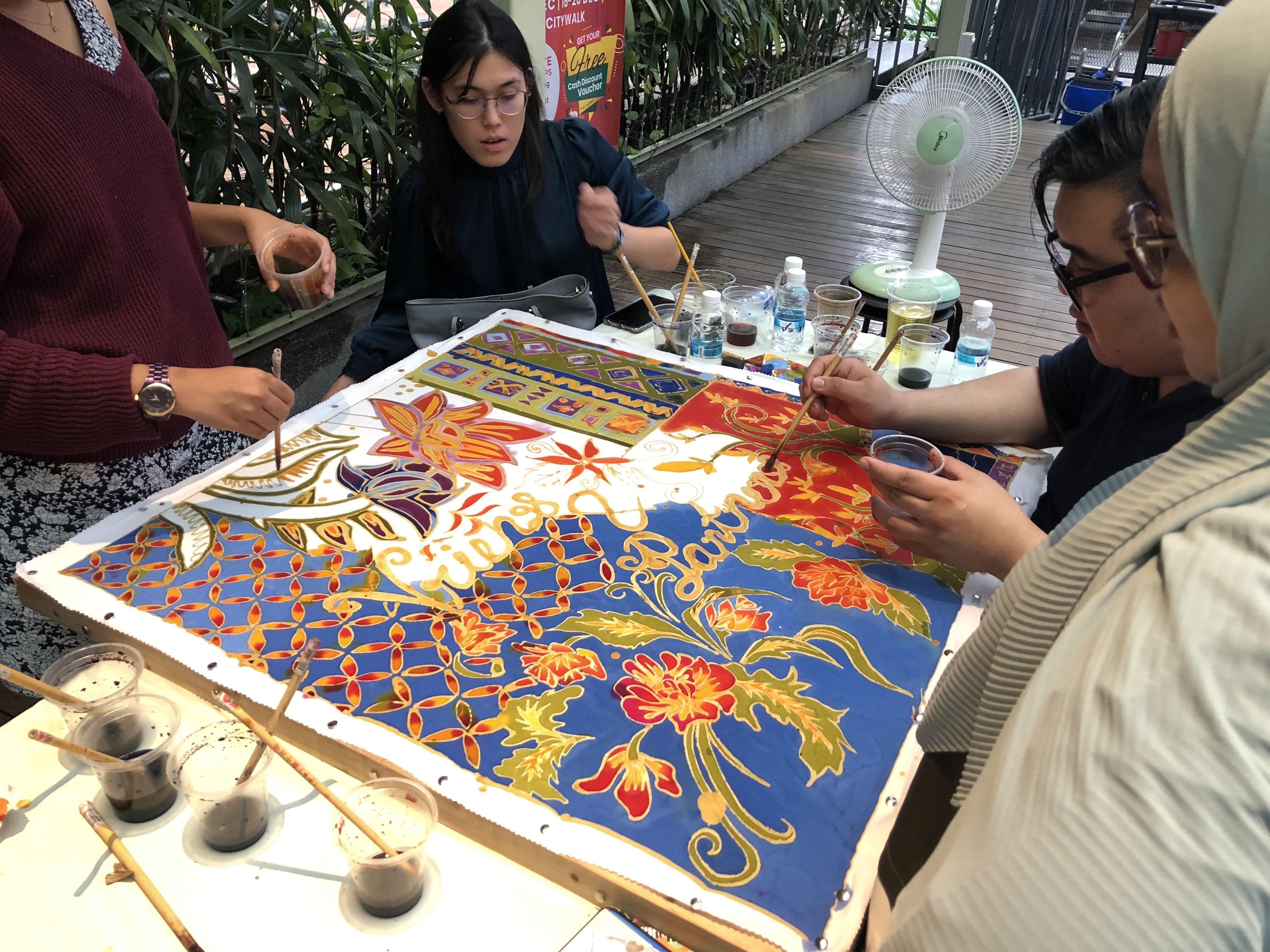 Malaysia Batik Canting Workshop - Airbnb