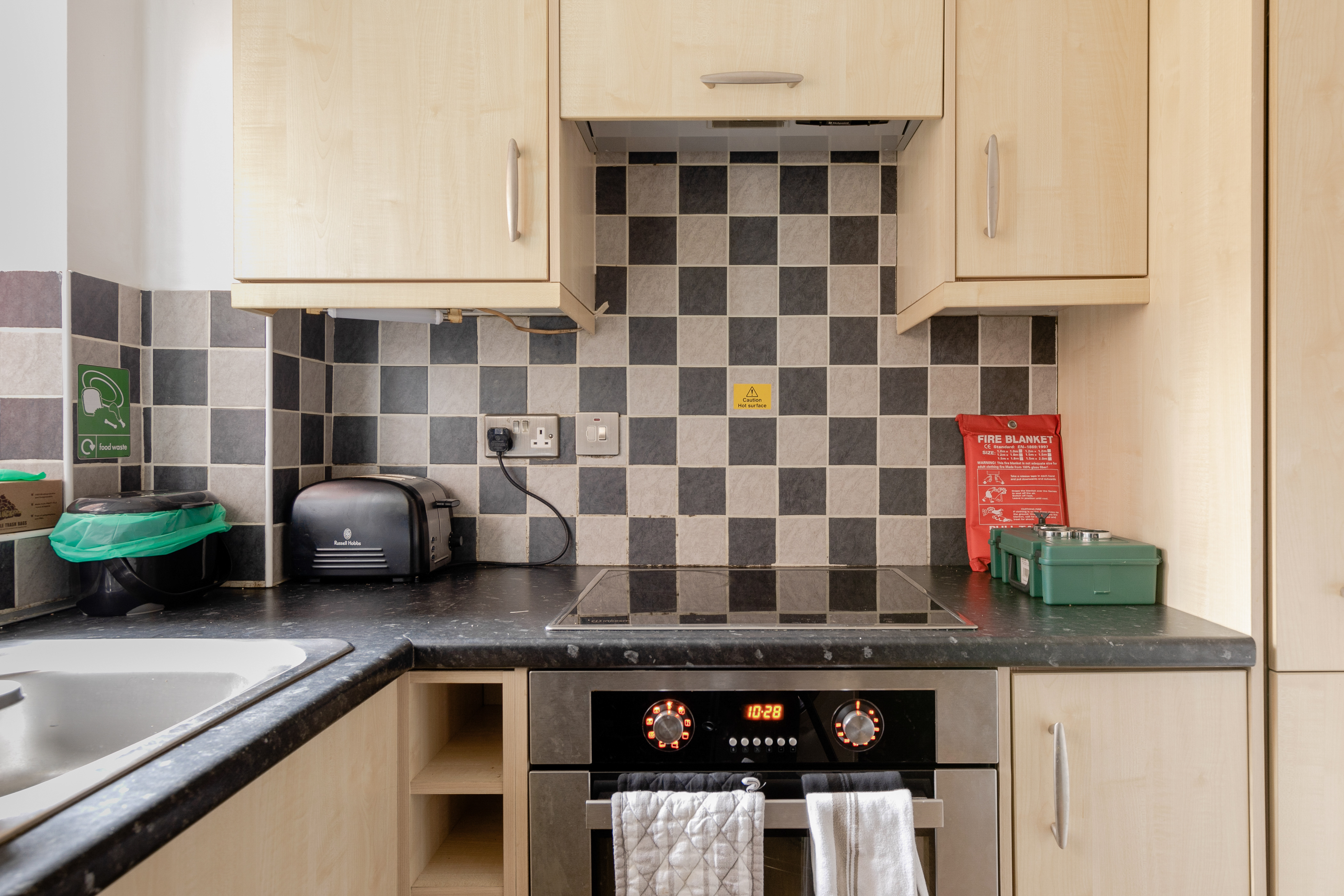 One Bedroom Flat In Lovely St Johns Woking Apartments For Rent In Surrey England United Kingdom