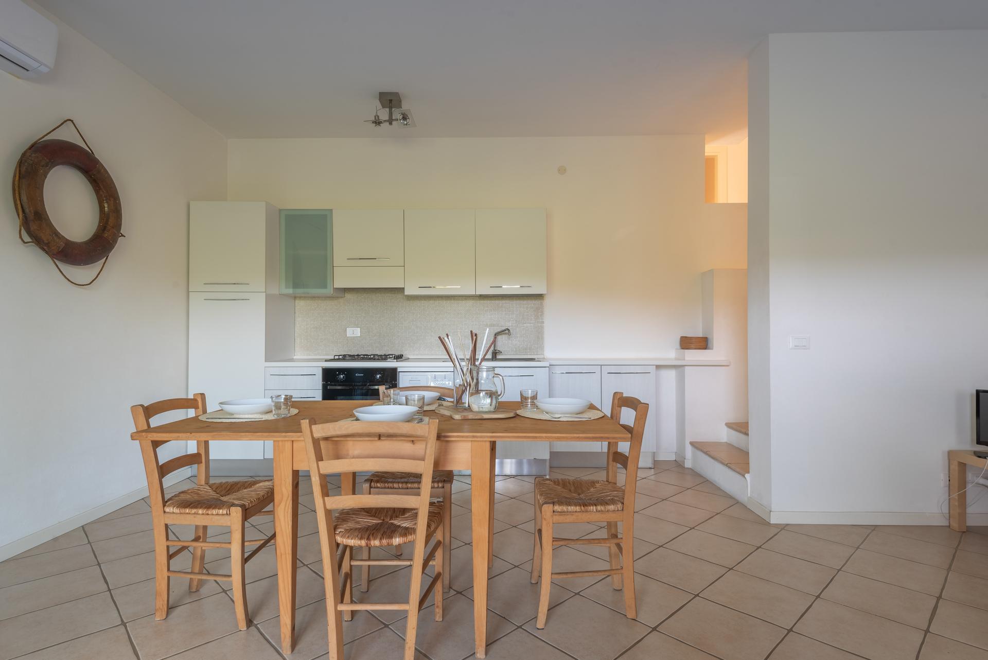 Trilocale Per 6 Persone Ea Bianca Appartamenti In Affitto A Baja Sardinia Sardegna Italia